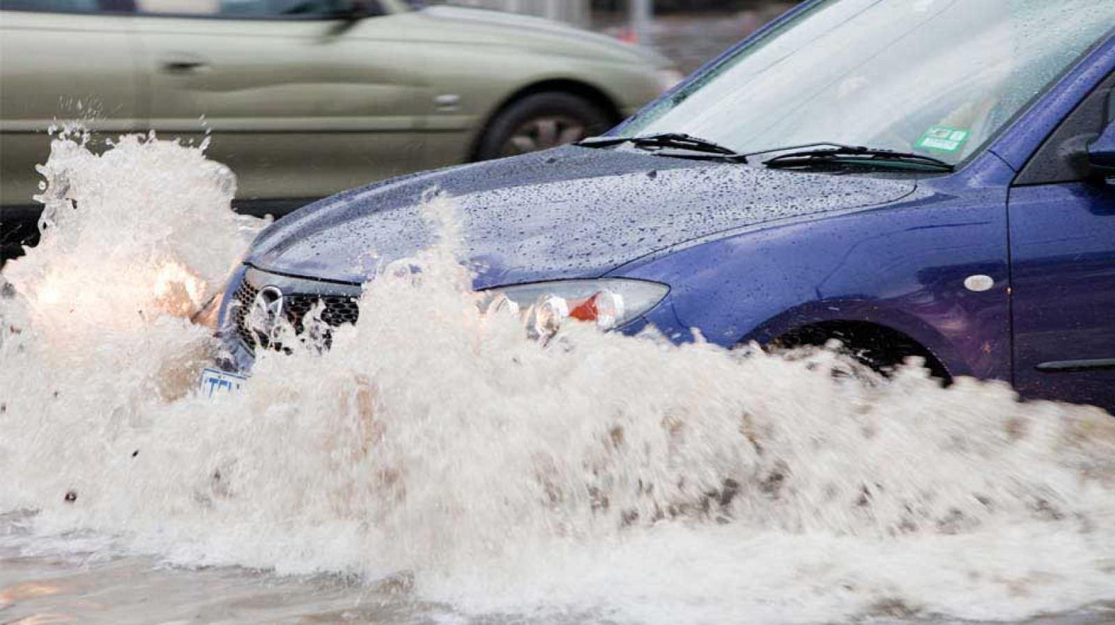 Bảo hiểm Thủy Kích giúp bạn yên tâm trong trường hợp ô tô bị ngập nước
